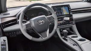 Тойота Авалон 2019 интерьер