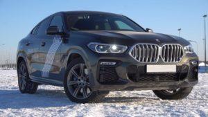 БМВ Х6 2020 чёрный на снегу