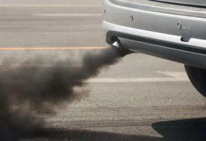 Чёрный дым из выхлопной трубы дизельного двигателя: причины