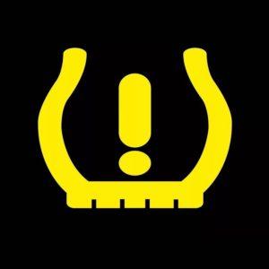 Значок давления в шинах на панели приборов