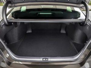 Тойота Камри 2020 багажник